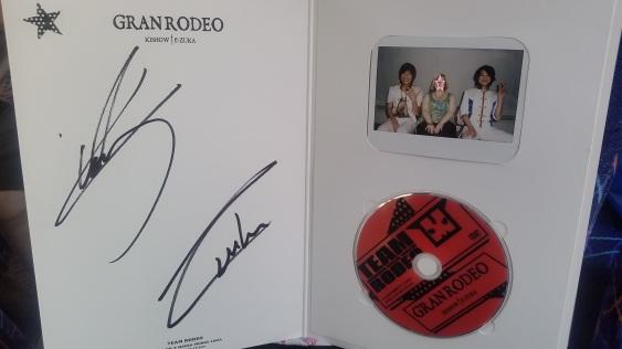 autograph-pic--cd_27002073572_o